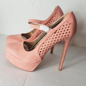 NWT Qupid high heeled pink shoe